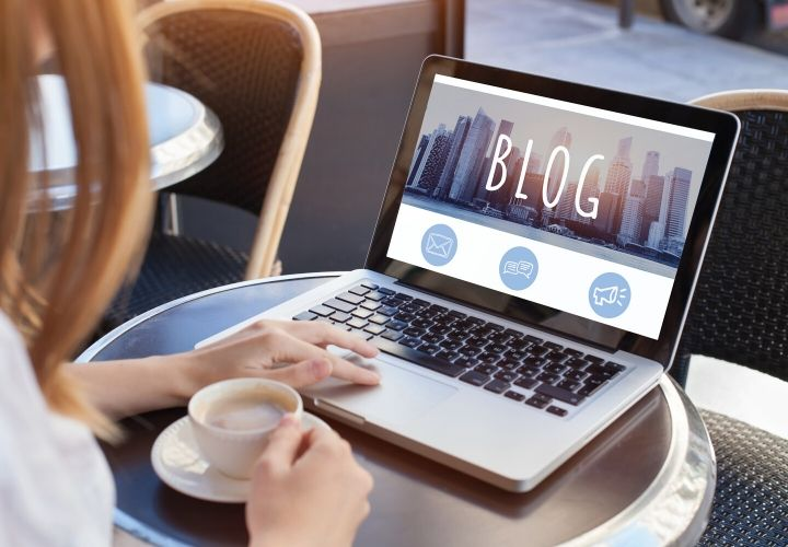 woman on her blog